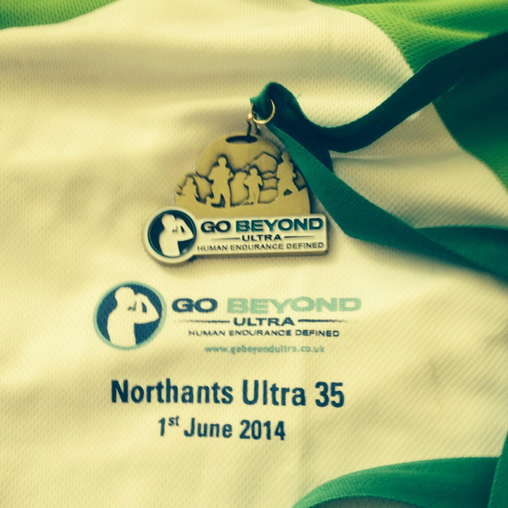 Shires and Spires Northants Ultra top and medal