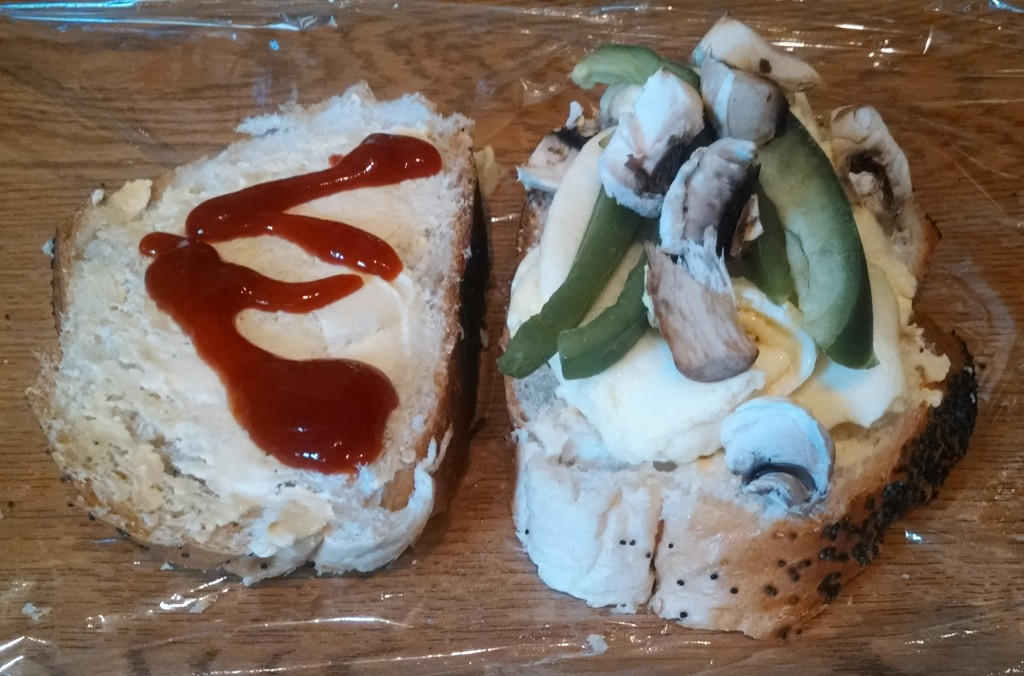 Egg, mushroom and pepper sandwich