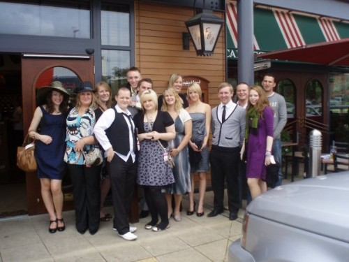 Frankie & Benny's: A day at the races