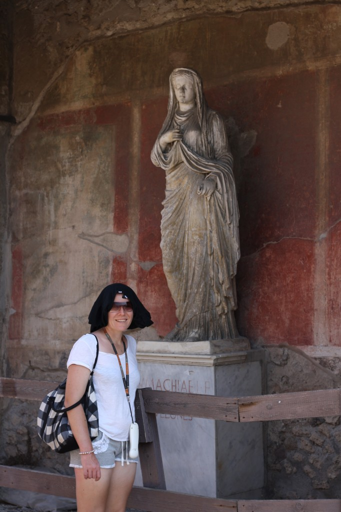 T-shirt on head in Pompeii