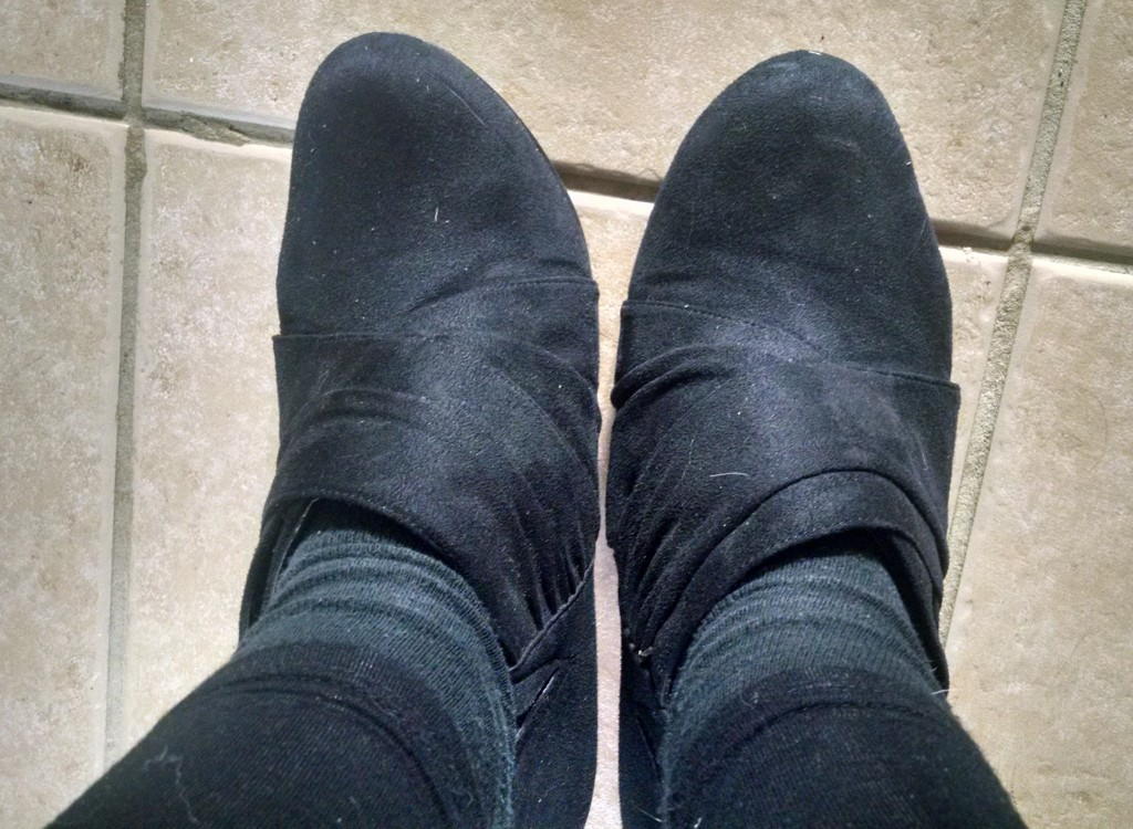 Ankle length boots not on the wrong feet
