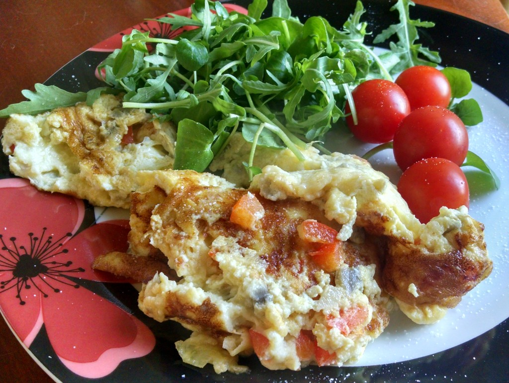 Red pepper and mushroom omelette