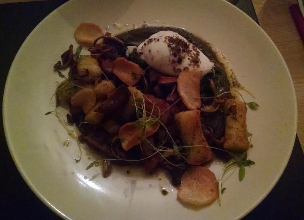 Hare and Hounds mushroom vegetarian dish
