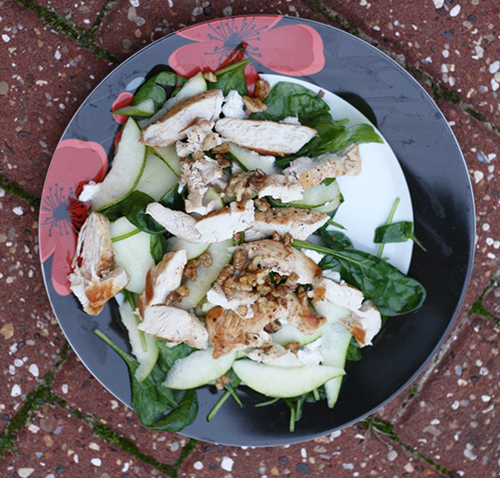 Pan-fried chicken with goat's cheese and pear salad (Hello Fresh)