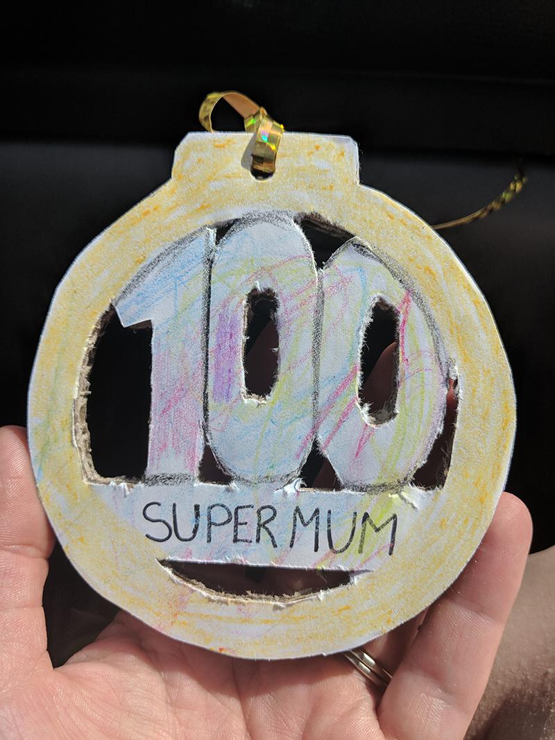 100 Supermum medal