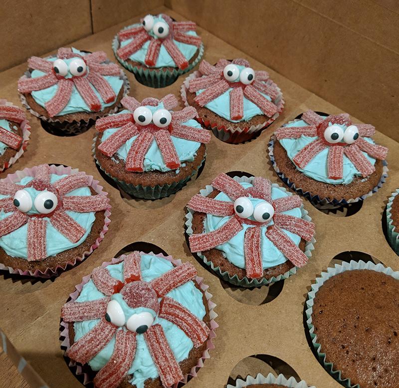 Oscars birthday cupcakes